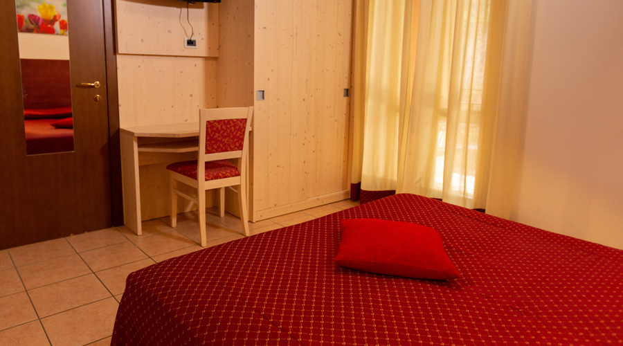 Four bedded-room without lake view
